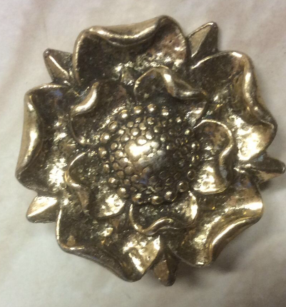 Vintage Miracle Brooch Pale Gold Colour Tudor Rose